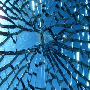 toughened glass breaking