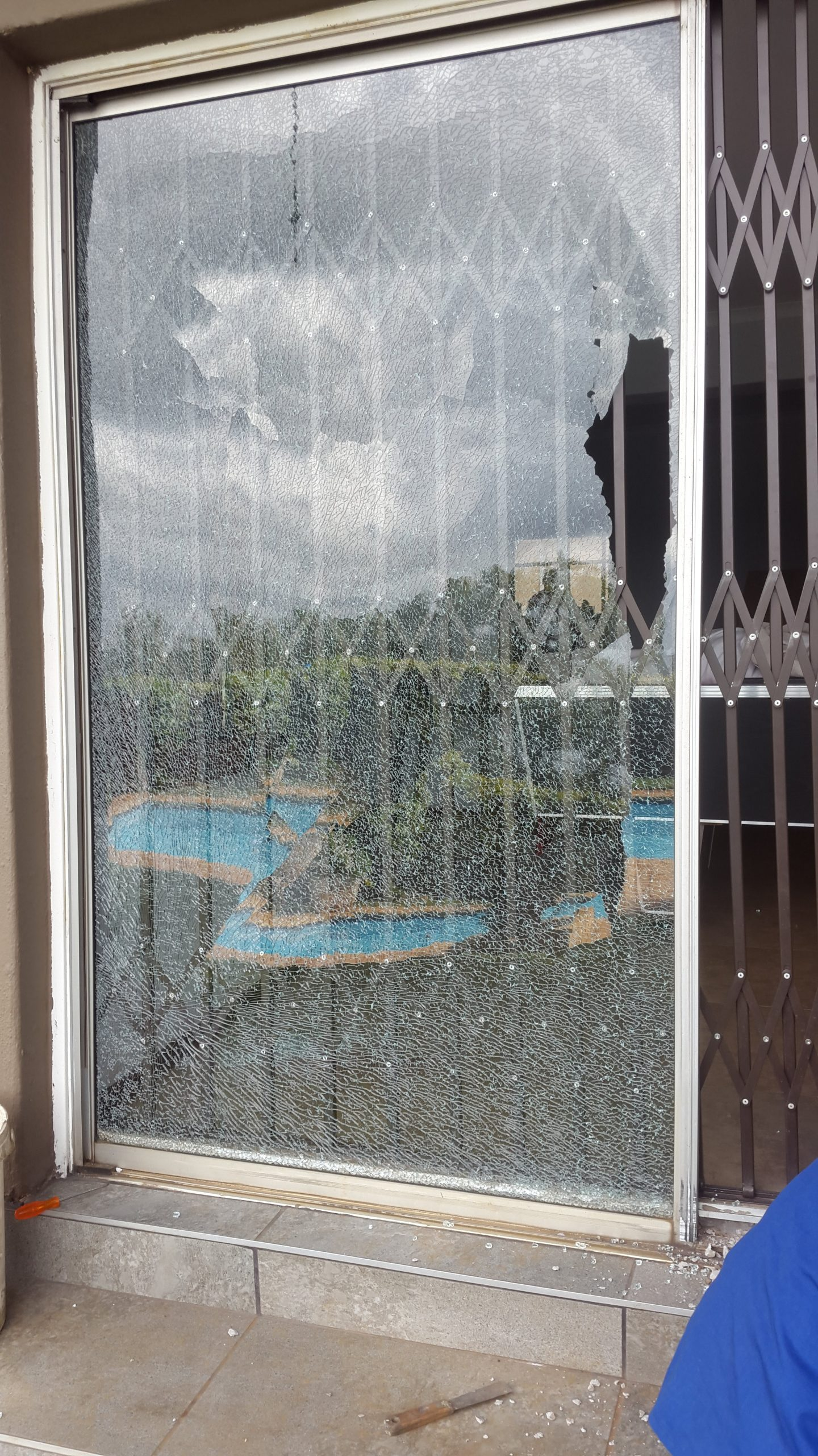 sliding door glass replacement
